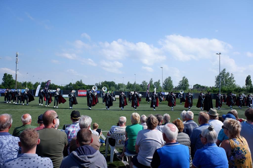 DVS Katwijk tijdens de openingsshow Into the Light