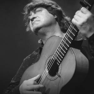 Flamenco gitarist Eric Vaarzon Morel in Julianakerk Oude Bildtzijl