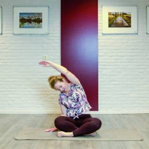 Machteld Kiestra geeft yogalessen online