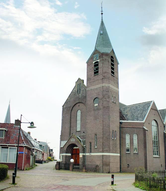 Mogelijk wordt voormalige gereformeerde kerk De Hoeksteen afgestoten en worden alle diensten dan gehouden in de Sint Maartenkerk.