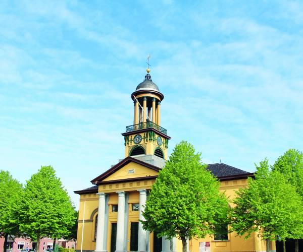 Wie maakt de mooiste foto van De Groate Kerk in St. Jacobiparochie?