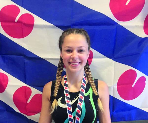 Mariëlle Valk Meerkamp Fries kampioen turnen