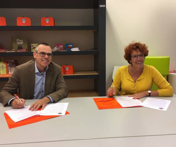GGD Fryslân en Bibliotheken Noord Fryslân ondertekenen Taalakkoord