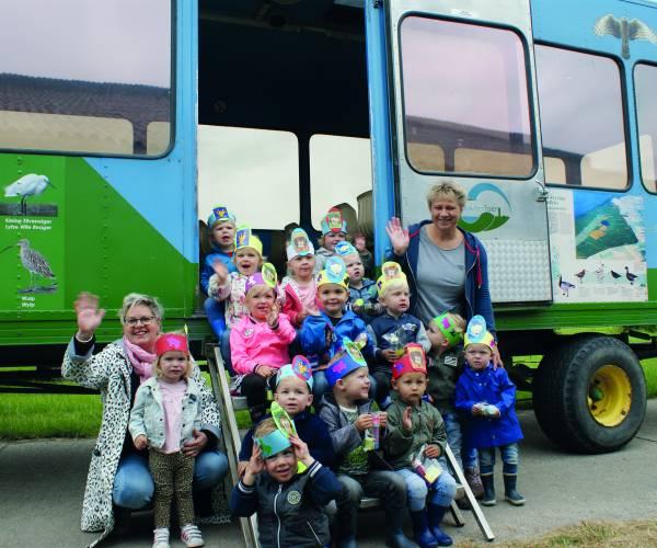 Peuters van Kidsfirst peuteropvang 'Beertje Bas' uit Stiens op schoolreisje