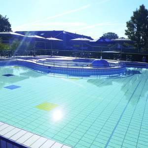 Openluchtzwembad De Sawn Stjerren in Hallum weer open
