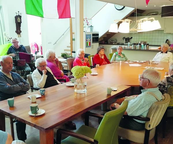 Bewoners De Parrebeam gaan op culturele en culinaire vakantie