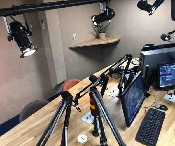 Radio Eenhoorn brengt extra programma