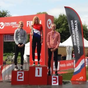 Meike Regeling 3e op NK Cross Triatlon in Almere