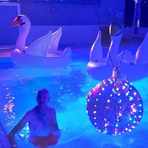 Beweging Talant Stiens organiseerde discozwemmen