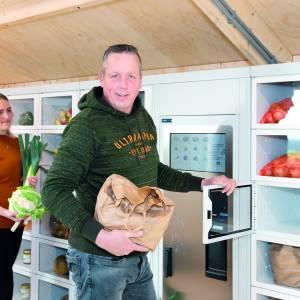 Eerste aardappelautomaat van het Noorden in Ternaard