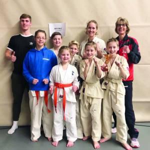Karateka's Huitema en Vonk succesvol