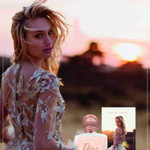 Winnares Hollands Next Top Model 2016 Akke Marije onthult 2e editie parfum: 'Pure by Akke Marije'